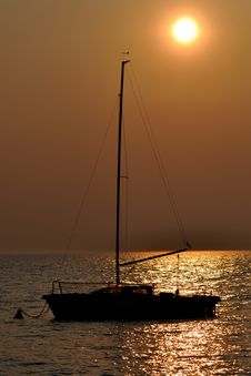 Free Sunset Sailing Royalty Free Stock Photos - 8932328