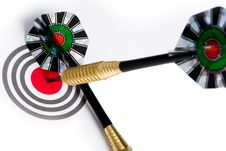 Free Target With Arrows On White Royalty Free Stock Photo - 8941535