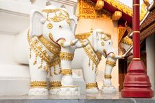 Free Elephants In Traditional Thai Style Molding Art Royalty Free Stock Images - 8942649