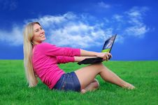 Free Beautiful Girl With Laptop On The Green Grass Royalty Free Stock Images - 8948289