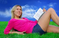 Free Beautiful Girl With Laptop On The Green Grass Royalty Free Stock Photography - 8948347