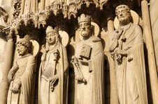 Free Statues At The Entrance Of Notre Dame Cathedral Stock Photography - 8948832