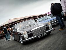 Free Slammed Benz Royalty Free Stock Photography - 89439307