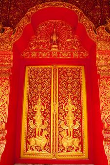 Free Traditional Thai Art Church Door Stock Photo - 8951970