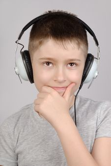 Free Listening Boy Stock Photography - 8956542