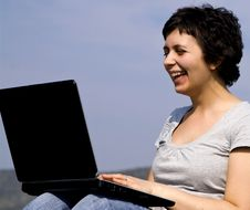 Free Young Casual Woman Working On Laptop Royalty Free Stock Image - 8957786
