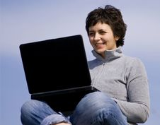 Free Young Casual Woman Working On Laptop Stock Image - 8957891