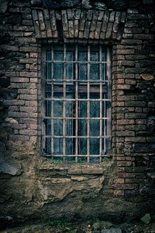 Free Old Window With Metal Grids Royalty Free Stock Photos - 89571048