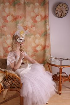 Free Woman In Wedding Dress Royalty Free Stock Photos - 8961208