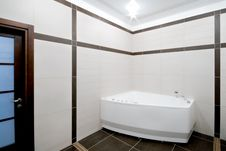 Free Bathroom In Minimalism Style Royalty Free Stock Photography - 8966037