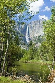 Free Yosemite Falls Stock Photo - 8966270