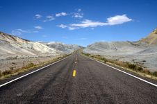 Free Road Through The Central Utah Stock Image - 8967071