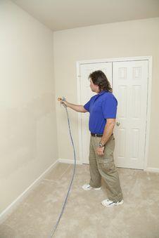 Free Painter Spray Painting Royalty Free Stock Photos - 8969478