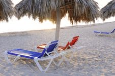 Free Chairs On Tropical Beach Royalty Free Stock Photos - 8969988