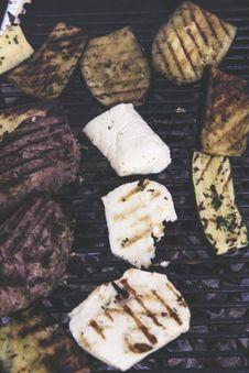 Free Grilled Bio Range Filet Steak, Aubergine And Zucchini Stock Photos - 89634333