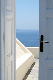 Free Doorway To Ocean View Royalty Free Stock Image - 89692546