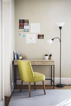 Free Study Table At Home Royalty Free Stock Image - 89692836