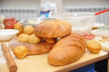 Free Fresh-baked Bread And Dough Stock Images - 8970414