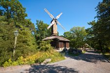 Free Old Wooden Windmill Royalty Free Stock Images - 8978299