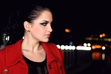 Free Brunette Walks On A Night City Royalty Free Stock Photos - 8979558