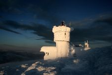 Free Mount Washington Observatory Covered With Rime Ice Royalty Free Stock Image - 8979776