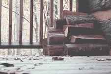 Free Brown Tree Log On Brown Wooden Floor Royalty Free Stock Images - 89741319