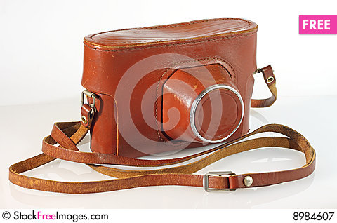 Free Old  Photo Camera Leather Case Royalty Free Stock Photography - 8984607
