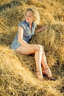 Free Beautiful Girl Lying On The Haystack Stock Images - 8980864