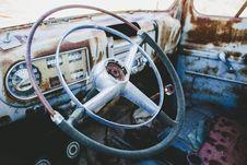 Free Black And Gray Metal Steering Wheel During Daytime Royalty Free Stock Photo - 89803995