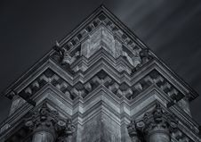 Free Gothic Architecture In Black And White Royalty Free Stock Images - 89805949