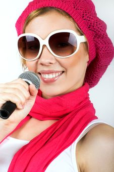 Free Singing Young Woman Royalty Free Stock Image - 8991146