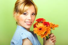 Free Smiling Woman With A Flowers Stock Photos - 8991233