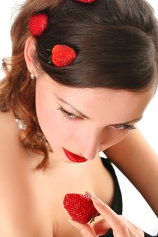 Free Woman Eating Strawberry Royalty Free Stock Images - 8991879