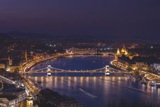 Free Budapest At Night Royalty Free Stock Photography - 89963717