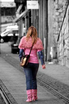 Free Walking Girl Royalty Free Stock Photos - 93548