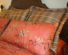 Free Beautful Pillows Royalty Free Stock Photos - 96748