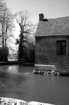 Free Moat House 3 Royalty Free Stock Images - 97979
