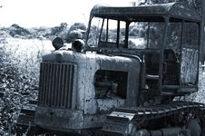 Free Derelict Farm Vehicle Stock Photography - 902842