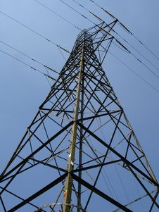 Free Electricity Tower (Side View) Royalty Free Stock Image - 904566