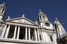 Free West Front Entrance To St Pauls Cathedral Royalty Free Stock Image - 904696