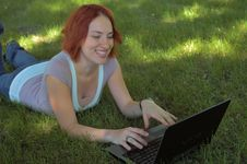 Free Girl With Laptop Royalty Free Stock Image - 909526