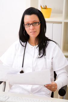 Free Beautiful Young Doctor Stock Photography - 9000292