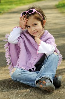Free Little Fashion Girl Royalty Free Stock Photos - 9001428