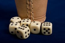 Dice Cup And Dice Royalty Free Stock Photos