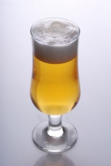 Free Glass Of Beer Close-up Royalty Free Stock Photos - 9004448