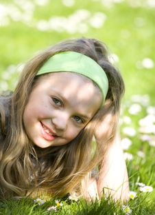 Free Young Girl On The Grass Royalty Free Stock Photos - 9004578