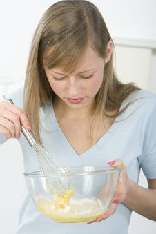 Free Beautiful Woman In Kitchen Royalty Free Stock Photos - 9005858