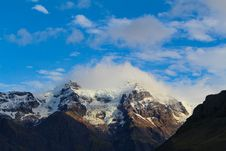 Free Mountain Peaks Stock Images - 90037484
