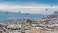 Free Balloons Over Cappadocia Royalty Free Stock Images - 90037949