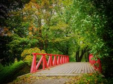 Free Bridge In Autumn Stock Photos - 90097883